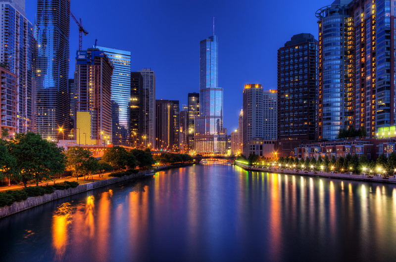 """""""Breakfast on the River"""" Chicago, Illinois Chicago River"""