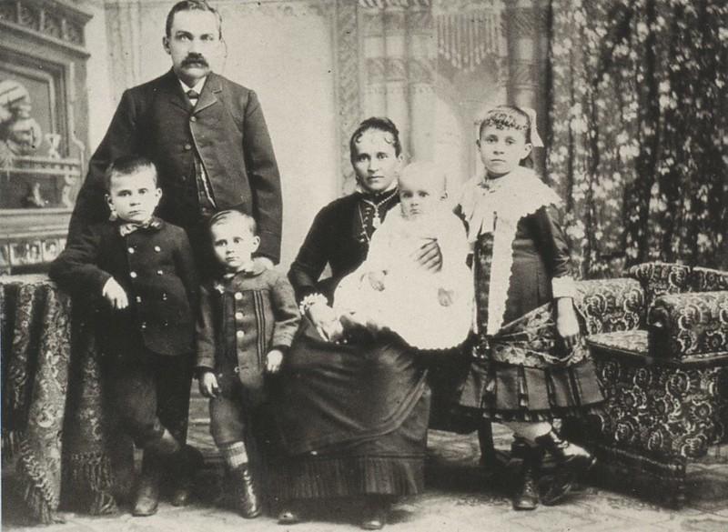 1890-elpueblothehistoricheartofla-104.jpg