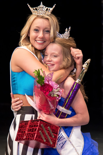 Miss_Iowa_Youth_2016_130150.jpg