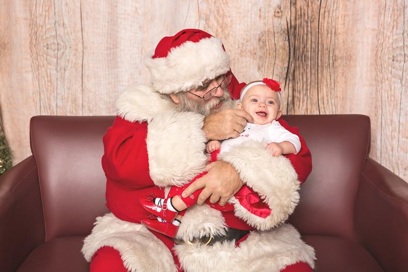 Ameriprise-Santa-Visit-181202-5066.jpg