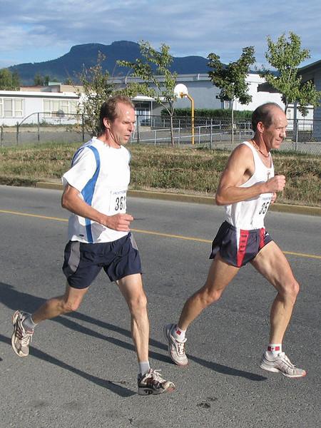 2005 Run Cowichan 10K - img0095.jpg