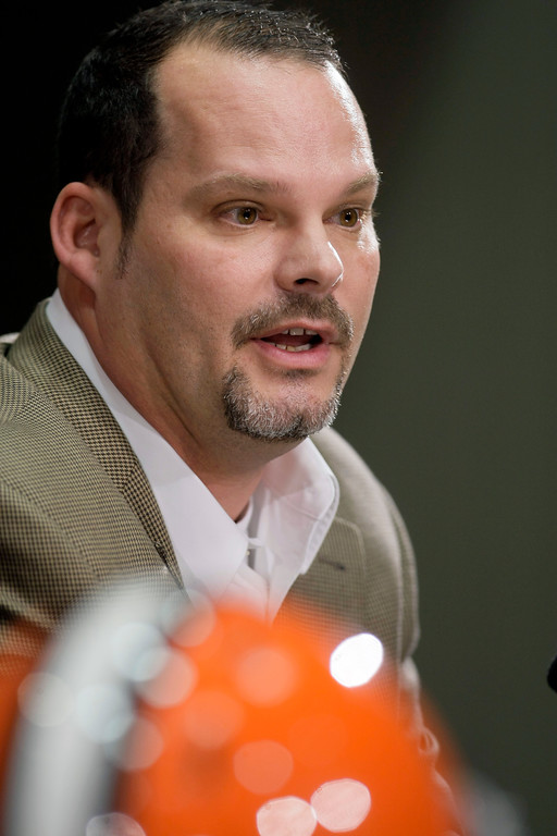 . Cleveland Browns general manager Tom Heckert, Jr. answers questions during a news conference Tuesday, Jan. 12, 2010, in Berea, Ohio. Heckert joined the Browns after spending the previous nine seasons with the Philadelphia Eagles. (AP Photo/Tony Dejak)