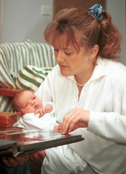 1997-5 Susan and Ellie.jpg