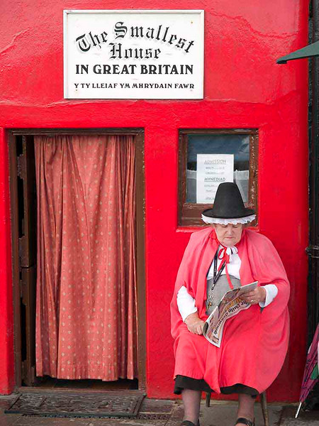 pjphoto59 Smallest house in Britain