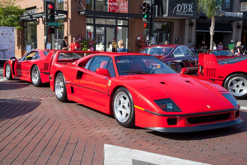 Back to Back - Ferrari F40s