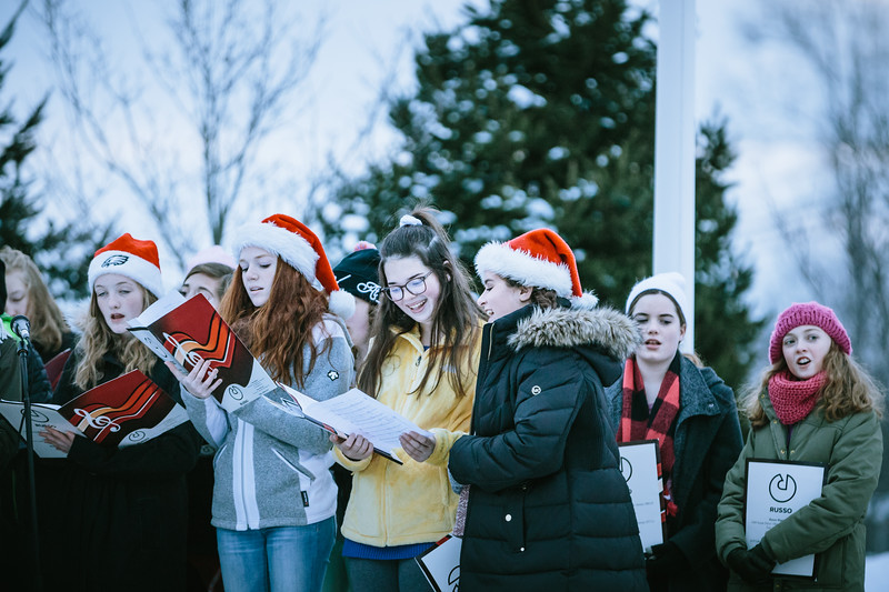 Mike Maney_Tohickon Chamber Choir Plumsteadville Tree Lighting 2017-33.jpg