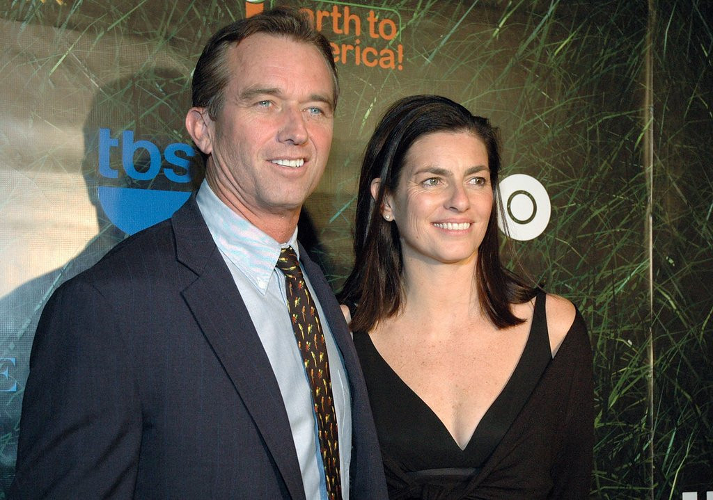 """. <p>8. (tie) ROBERT F. KENNEDY JR. <p>Detailed diaries about your sexual affairs always seem like a great idea until the wife finds them. (unranked) <p><b><a href=\'http://www.dailymail.co.uk/news/article-2415449/RFK-Jrs-secret-sex-diary-Serial-philanders-journal-includes-scorecard-conquests-Catholic-guilt-cheating-wife-Mary.html\' target=\""""_blank\""""> HUH?</a></b> <p>    (Steve Spatafore/Getty Images)"""