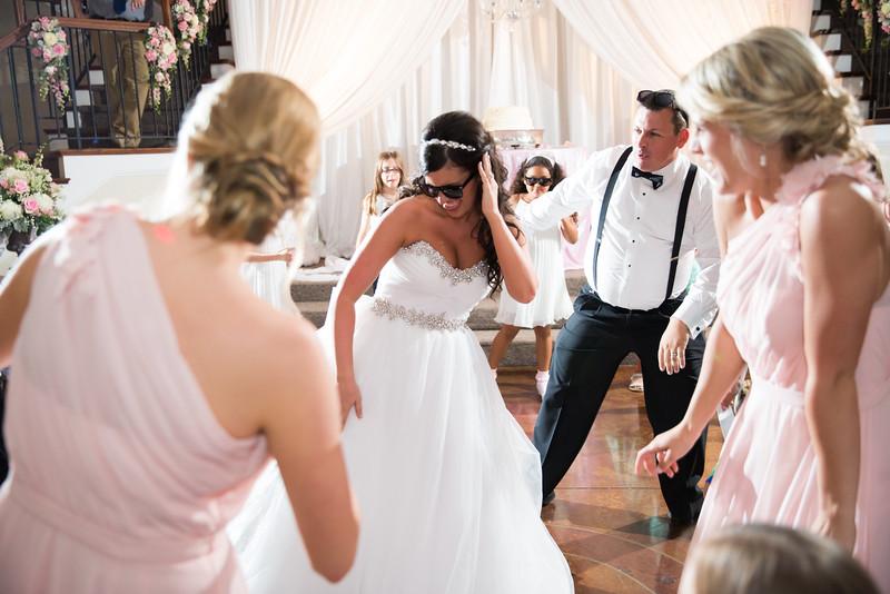 1050_Josh+Lindsey_Wedding.jpg