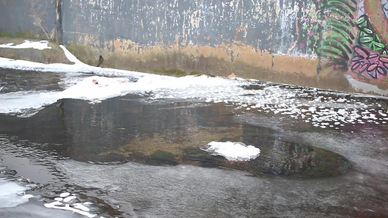 20170103 Freezing WorcShop Canal (1).MOV