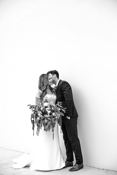 Kate&Josh_B&W_ZACH.WATHEN.PHOTOGRAPHER-230.jpg