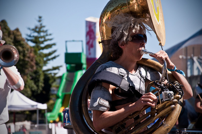 2012.09 - Bumbershoot: Love Bomb Go-Go marching band