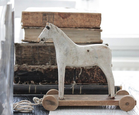 vintage-toy-horse-wooden3.png