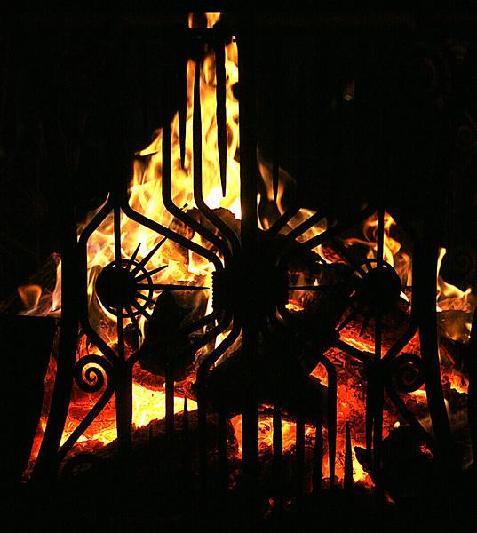 burn_night008a.jpg