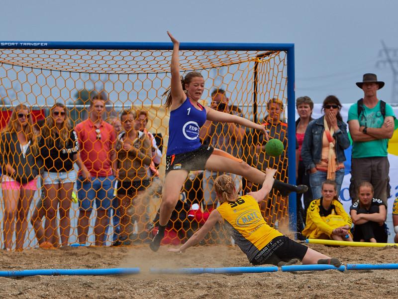 Molecaten NK Beach Handball 2015 dag 2 img 661.jpg