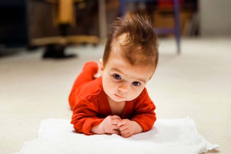 Baby girl lifting head