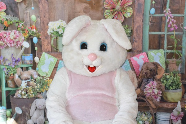 Easter Pics Taken at Fountain Park 3-24-18