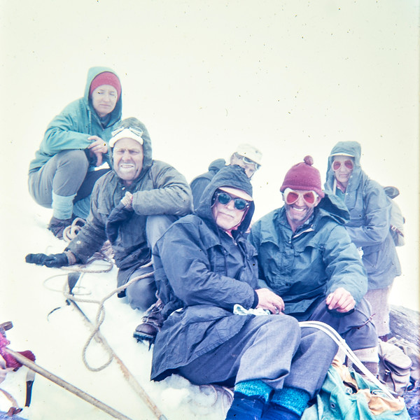 1959 on Mt Ruapehu with Fred Akhurst (2nd from right) and others.jpg