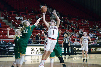 Women's Basketball hosts George Mason