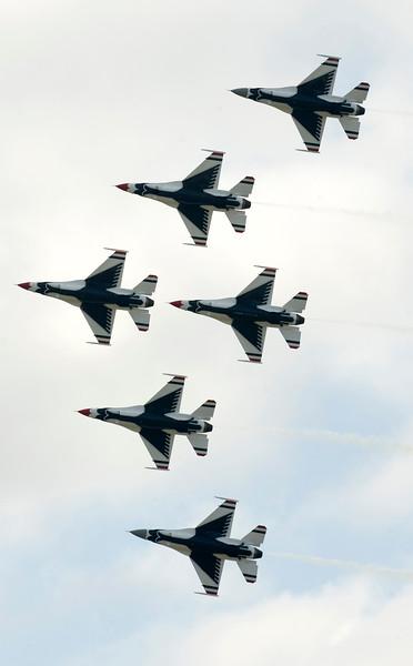 090403-F-7251M-622