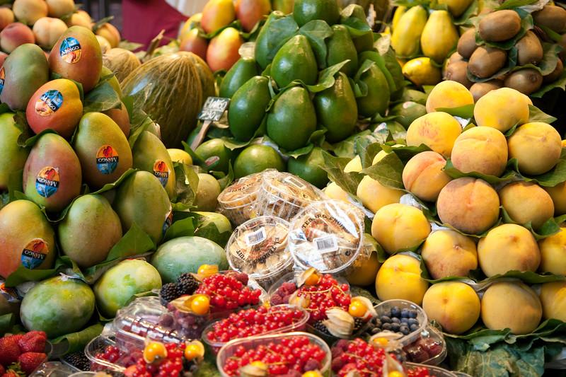 Fruit shop, Boqueria market, town of Barcelona, autonomous commnunity of Catalonia, northeastern Spain