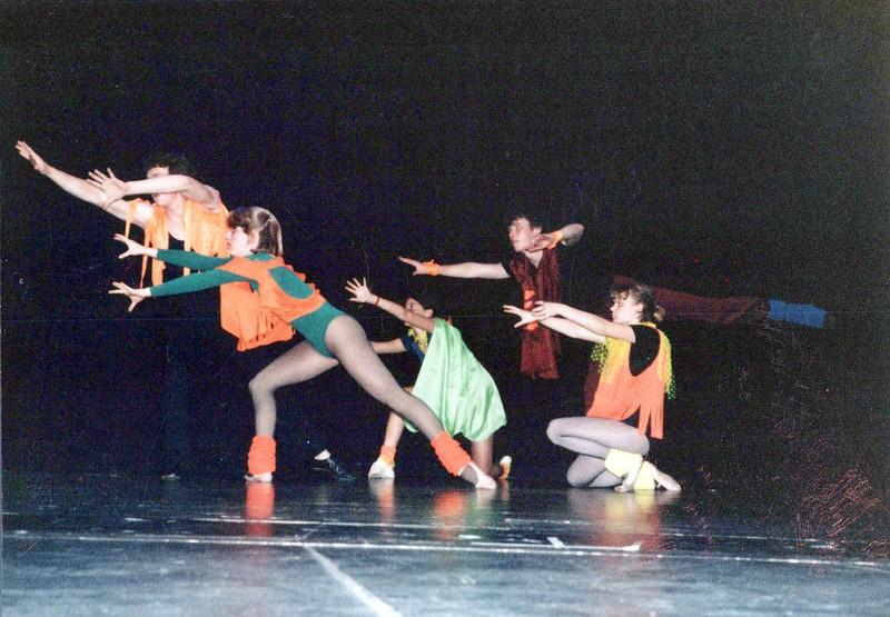 Dance_2042_a.jpg