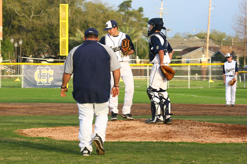 \\hcadmin\d$\Faculty\Home\slyons\HC Photo Folders\HC Baseball vs SCC_1st Home Game_2_12\6W2Y9013.JPG