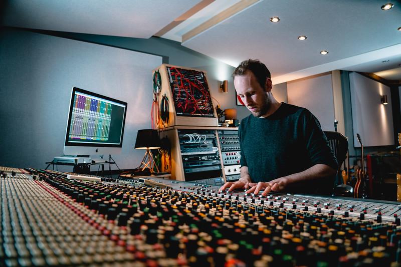 Tom Bish Studio 2019-9.jpg