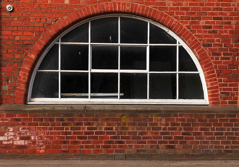 Front middle window.jpg