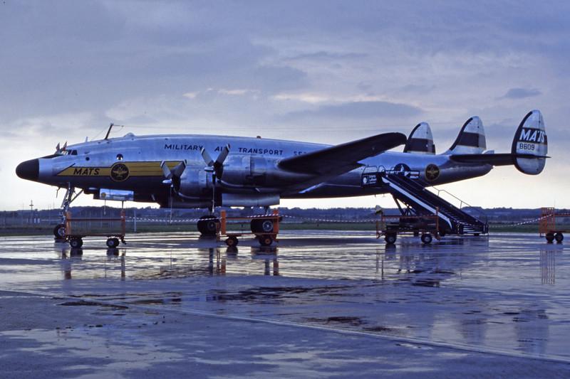 N494TW-LockheedC-121AConstellation-Private-EKEB-1998-08-31-FQ-25-KBVPCollection.jpg