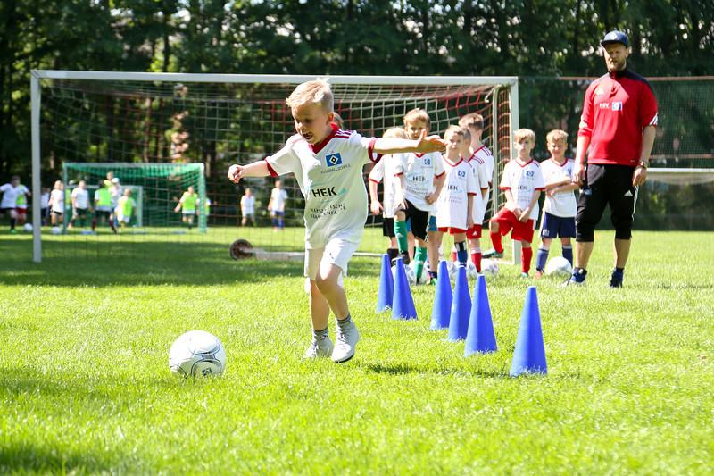 hsv_fussballschule-404_48047945181_o.jpg