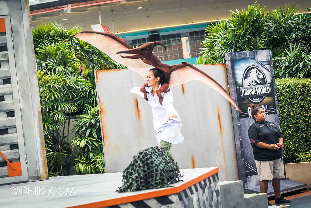 Universal Studios Singapore Park Update - Jurassic World Explore and Roar event - Jurassic World: ROAR! show / Pteranodon attack