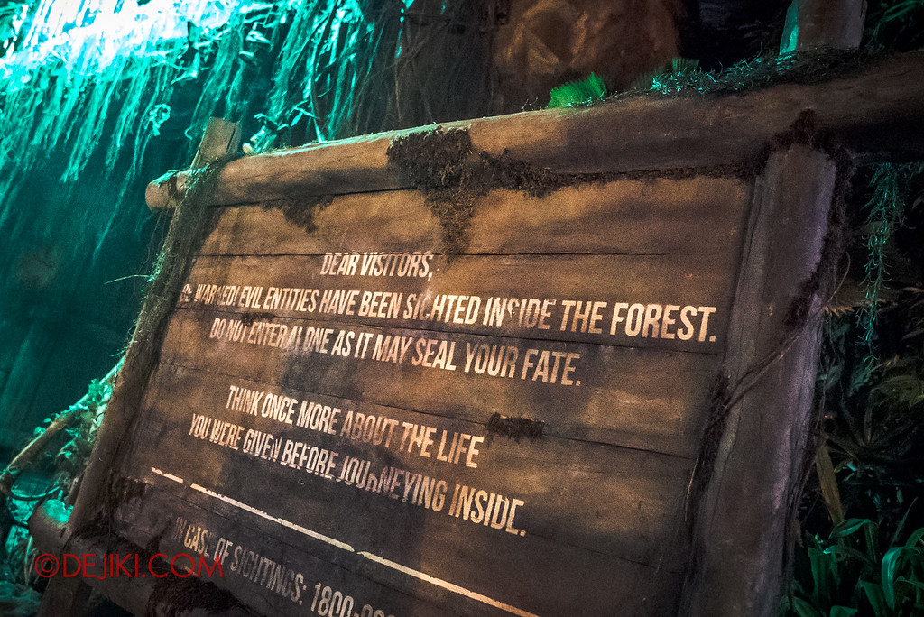 Halloween Horror Nights 6 - Suicide Forest scare zone / Warning sign