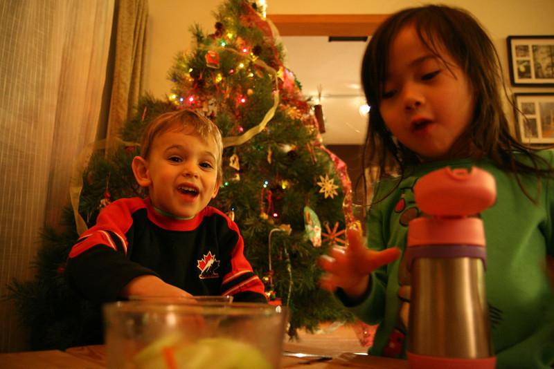 2013-Dec: Christmas w Kindergrams
