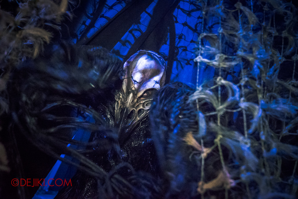 Halloween Horror Nights 7 Review - HEX haunted house / Murder of Crow