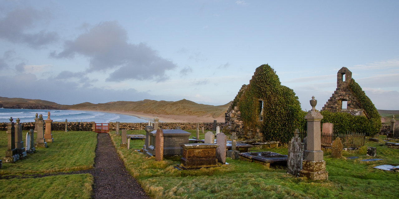 NC500 - Durness - Ruined church and cemetery at Balnakeil Beach