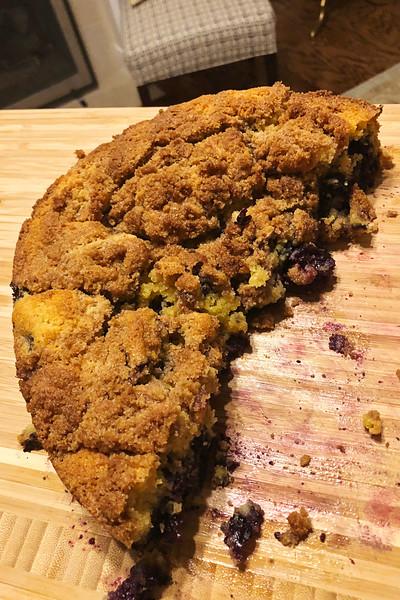 blueberry cake 1.jpg