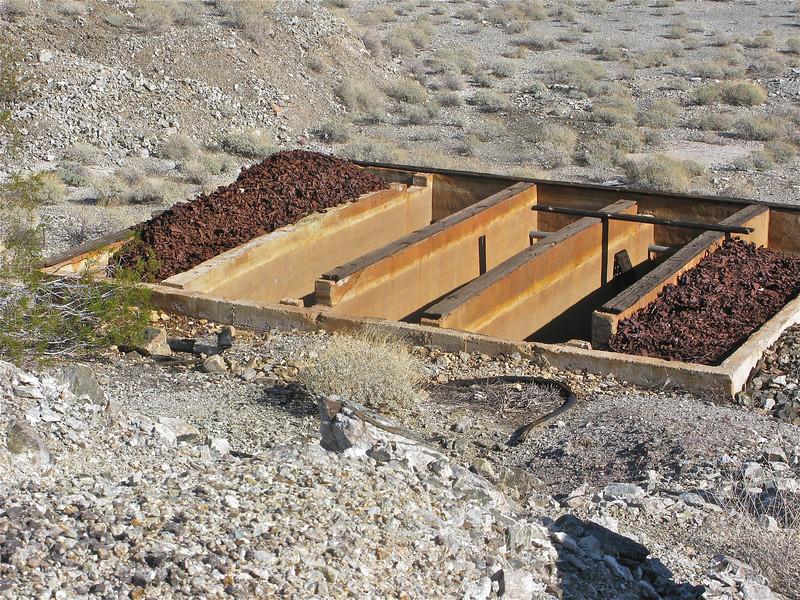 Scrap iron copper leaching tank