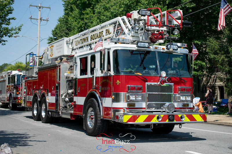 newtown-square-fire-company----ladder-41_35048713384_o.jpg
