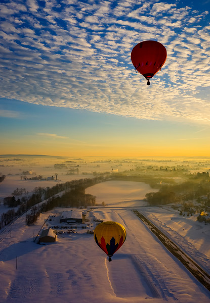 hot air balloon tour - two ballons just after takeoff(p).jpg
