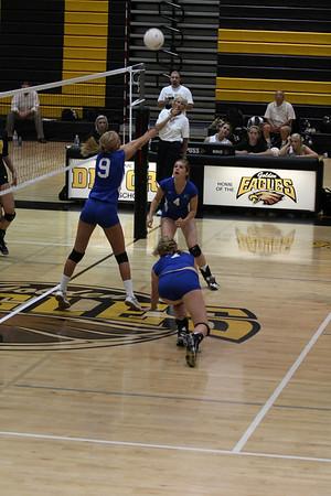 2009 FHS Varsity VB at Del Oro 09-15-09