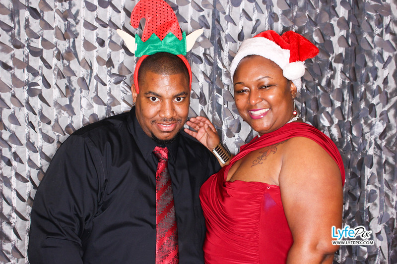 red-hawk-2017-holiday-party-beltsville-maryland-sheraton-photo-booth-0128.jpg