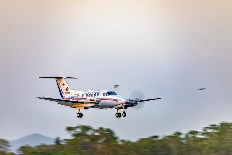 RFDS Beechcraft B200C VH-FDM landing at Rockhampton Airport 15-02-2019