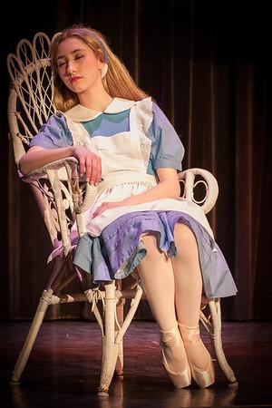 01 Alice & the White Rabbit