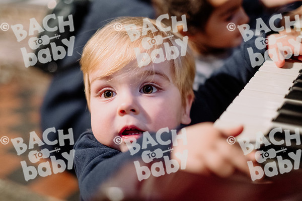 © Bach to Baby 2019_Alejandro Tamagno_Kensington_2019-12-11 034.jpg