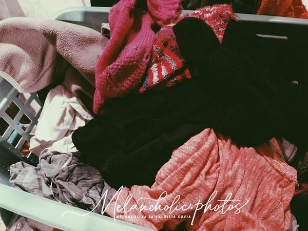 Liki viikon koneessa muhineet märät pyykit raikastuivat Saaren Taika® pyykkietikalla!