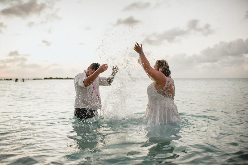 Requiem Images - Aruba Riu Palace Caribbean - Luxury Destination Wedding Photographer - Day after - Megan Aaron -78.jpg