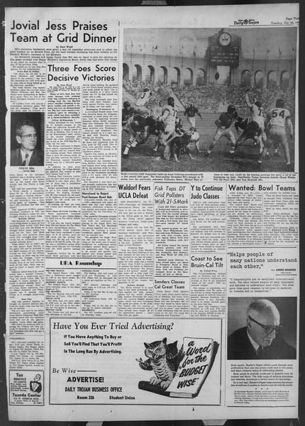 Daily Trojan, Vol. 44, No. 32, October 28, 1952