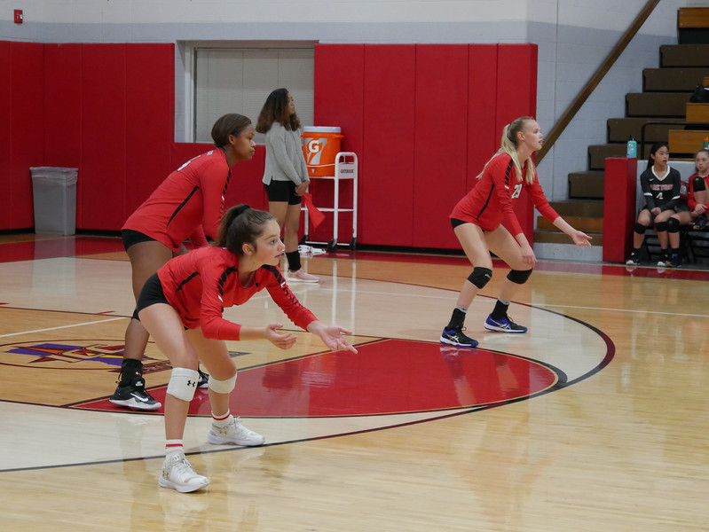 2018_9_17_Varsity VB v Warren Central_ - 29.jpg