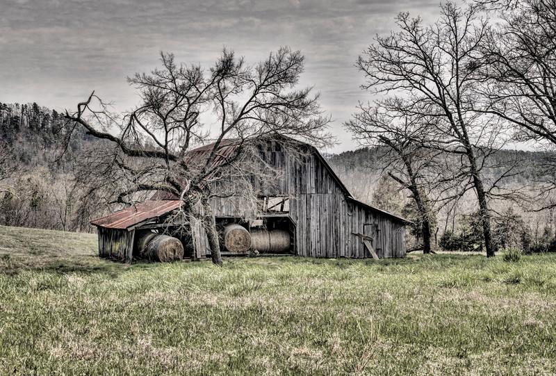 Ragweed Valley Barn #1 - Bonnerdale, AR