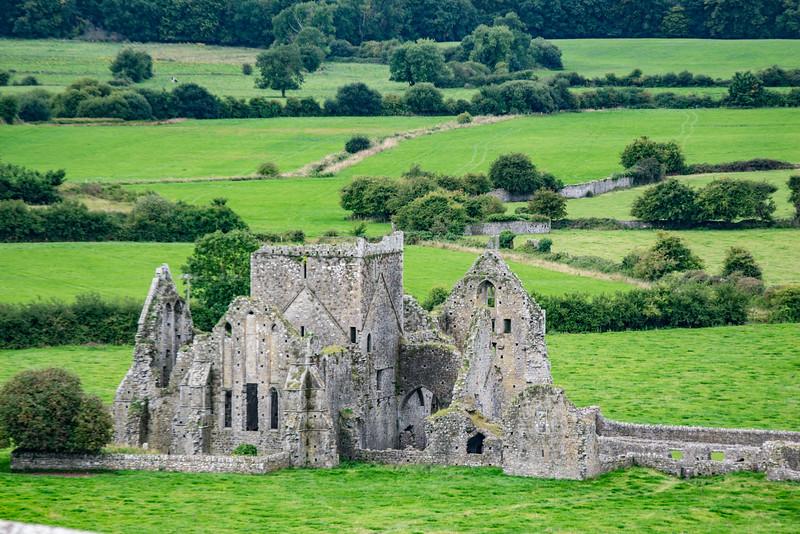 Rock of Cachel  Abbey 1.jpg